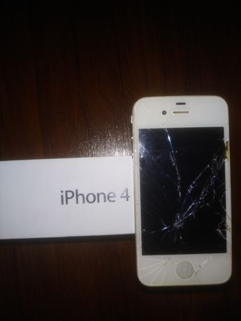 Продам телефон iphone 4G