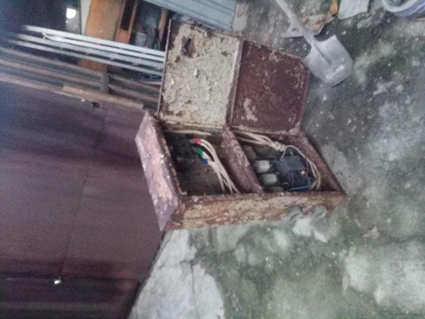 Шкаф электрический с рубильником