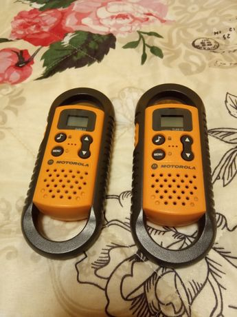 2 krótkofalówki Motorola.