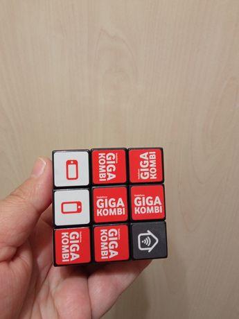 Кубик рубик фирмы водафон