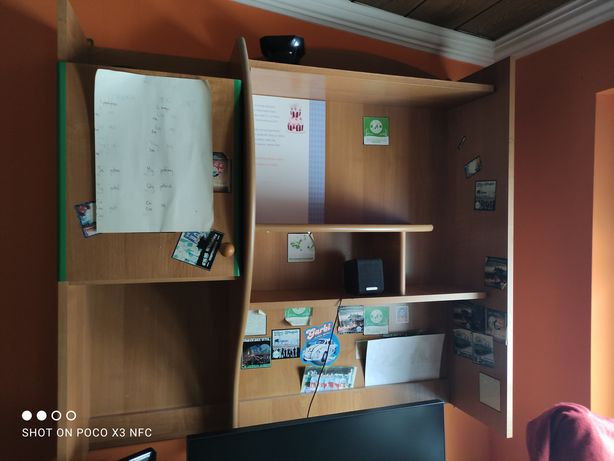 Biurko z nadstawka nad biurko + szafki
