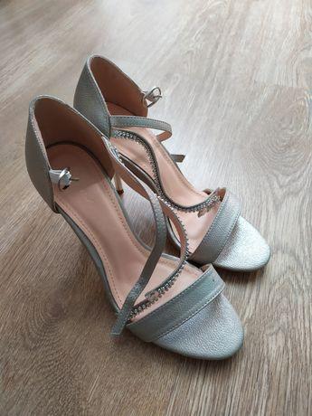 Szpilki / sandałki na wesele, nowe