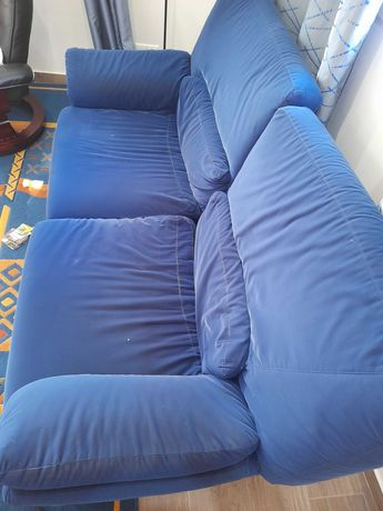 Sofá azul 2 lugares