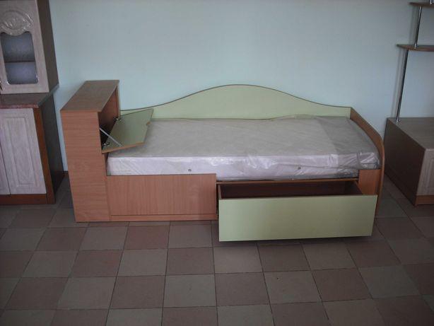 кровать +комод+бельевой ящик