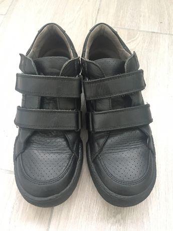 Кроссовки туфли кожанные 36
