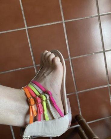 Sandálias/ socas marca brasileira e marca exe