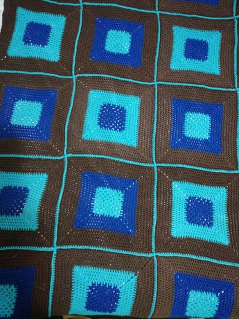 Покрывало вязаное ручной работы