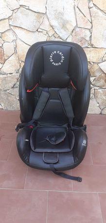 Vendo cadeira de bebe Pierre Cardin  semi nova 70€ ( preco novo 129€ )