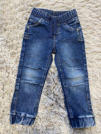 Spodnie jeansowe r.104
