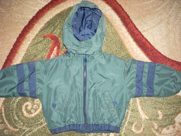Демисезонная курточка на флисевой подкладке на 12-18 мес