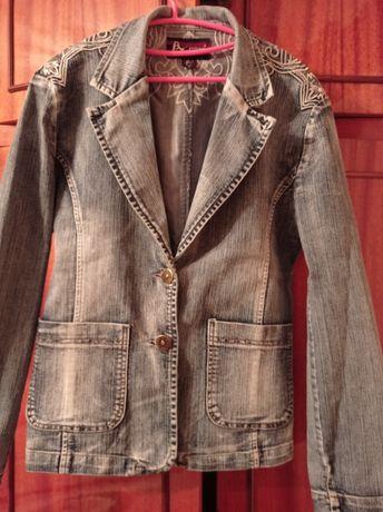 Куртка-піджак жіночий