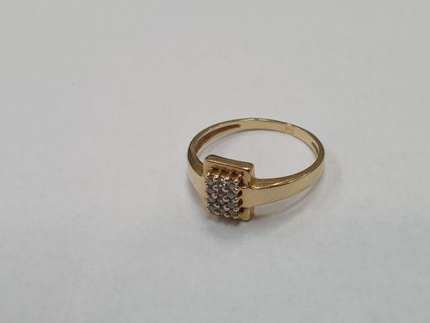 Piękny złoty pierścionek/ 585/ 2.08 gram/ R12/ Świętojańska 40 Gdynia