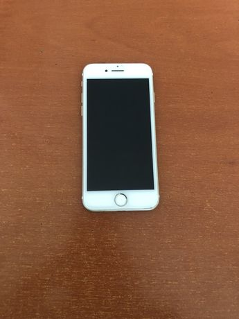 Продам срочно Iphone 7    4800грн+торг