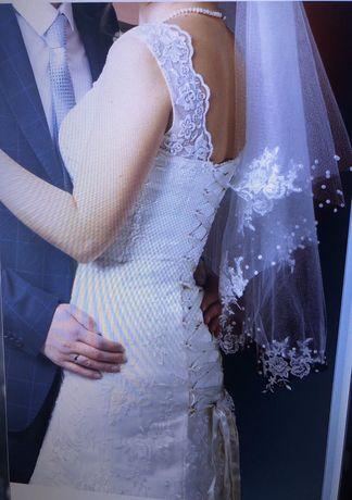 Свадебное платье ( недорого)