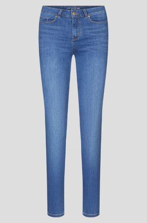 Jasne klasyczne damskie spodnie jeansy skinny, slim fit w rozm 36 S