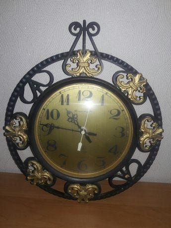 Годинник Янтарь