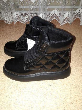Утепленные ботиночки H&M
