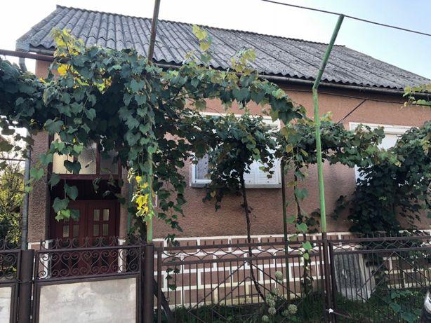 Будинок на головній вулиці