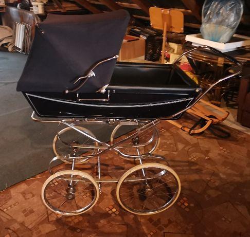 Vintage wózek Silver Cross Kensington z 1980. Retro