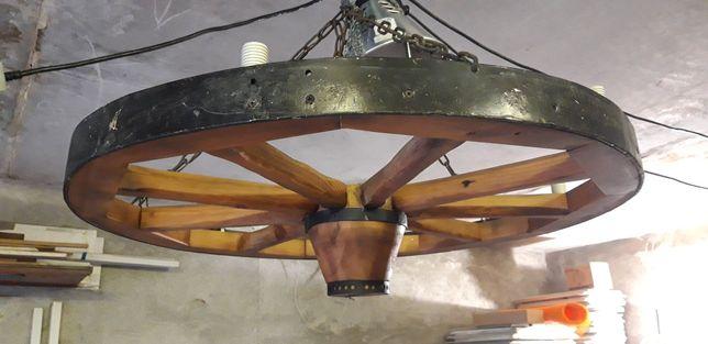 Люстра деревянная - колесо