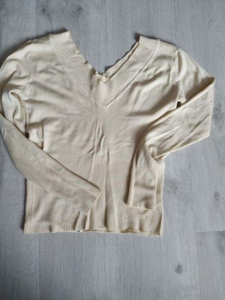 Sweterek kremowy