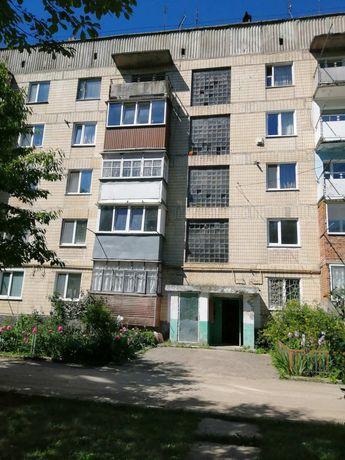 Продам однокімнатну квартиру ст.Бар село Міжлісся,вул Лісова1.