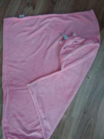Różowy kocyk dla dziewczynki
