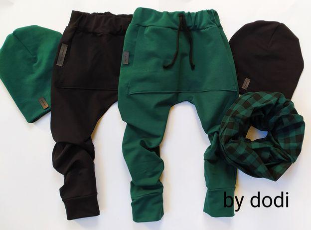 Spodnie dresowe baggy, czapki kominy