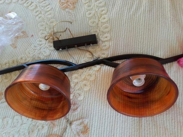 Lampa wisząca - metalowy żyrandol z 2 szklanymi kloszami