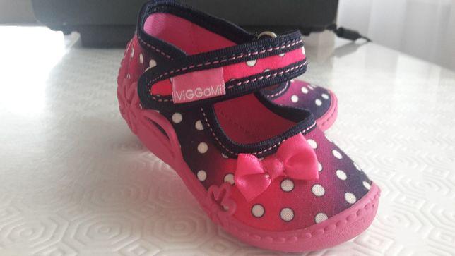 Kapcie/ Pantofle dla dziewczynki -Rozmiar 20