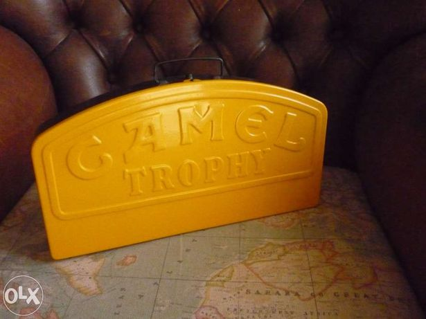 Vintage caixa metálica Camel.
