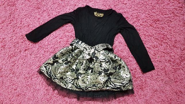 RESERVED sukieneczka piękna! R.110