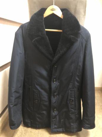 Продам зимнюю куртку 48 размера