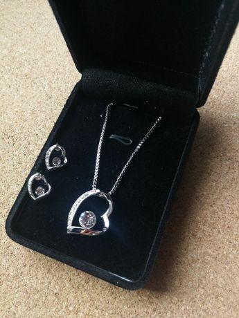 Zestaw biżuterii nowy naszyjnik i kolczyki Walentynki