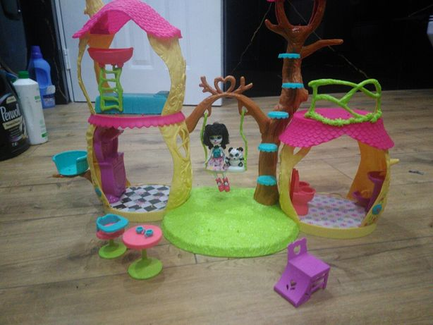 Domek dla lalek enchantimals.