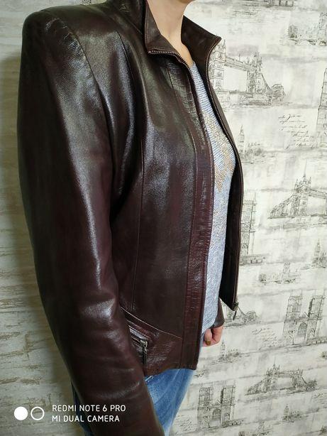 Куртка шкіряна жіноча