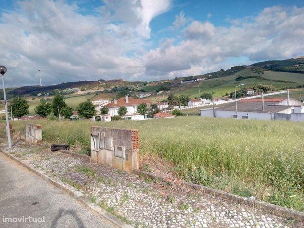Lote para construção de moradia na zona de Runa