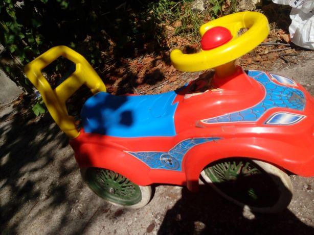 Машинка-каталка толокар на металл колесах шины резиновые