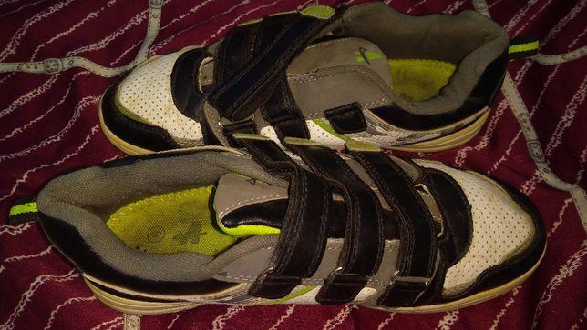 Фирменные кроссовки на мальчика,подростковые,едорого