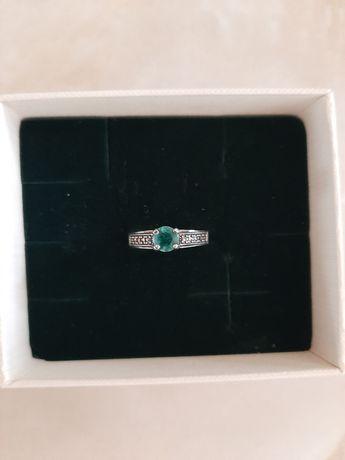 Srebrny pierścionek firmy Yes. Markazyty i kwarc. Rozm. 12