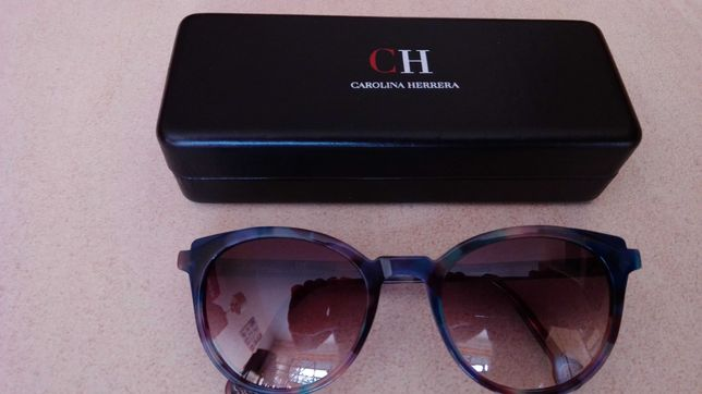 òculos de sol (senhora) CAROLINA HERRERA,  modelo 2020