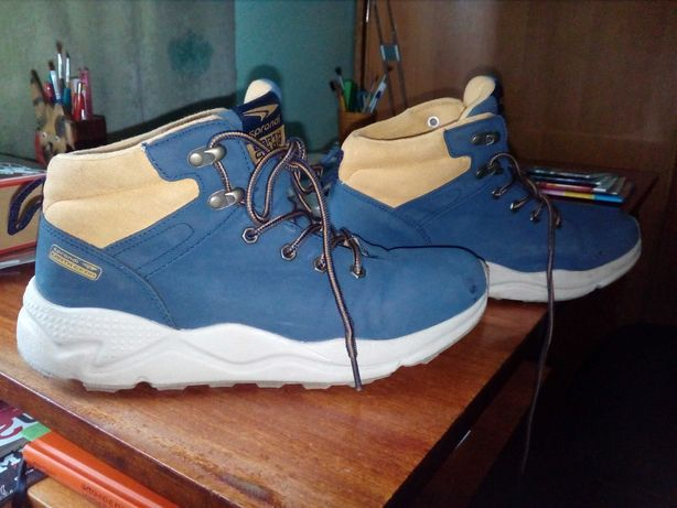 кросівки підліткові Sprandi б/у 39 розмір