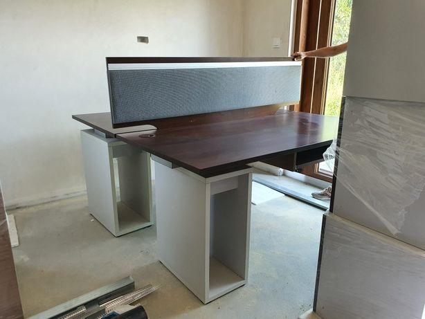 Duże dwu osobowe biurko