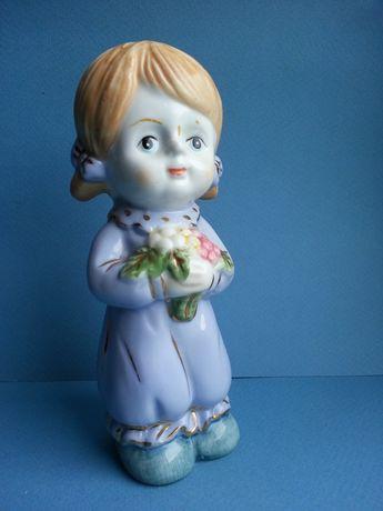 Фарфор статуэтка Девочка с букетом