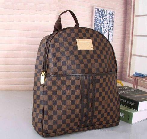 Вместительный рюкзак Louis Vuitton ( новый) Луи Виттон срочно LV сумка