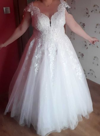 Suknia ślubna błyszcząca