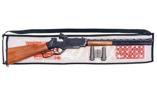 Вінчестер іграшкова гвинтівка з пістонами та бінокль.