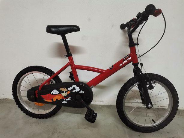 "Bicicleta Btwin ""hiper hero"" (4 - 6 anos)"
