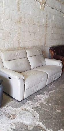 Łóżko kanapa firmowa skóra rozkładana pod nogi