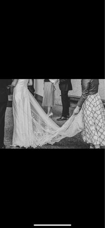 Piekna suknia slubna - dlugi tren